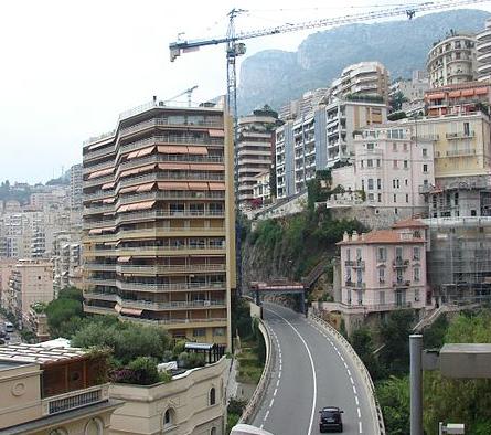 One-way traffic on blvd. du Larvotto