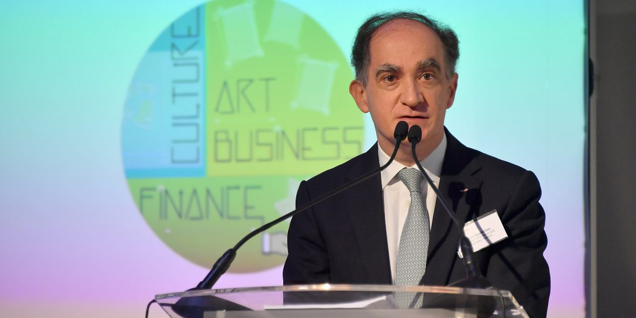 Minister speaks of importance of business in art