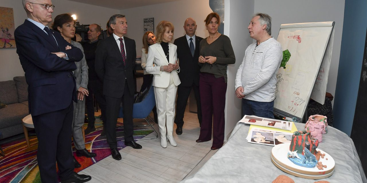 Ministers visit Association helping victims of violence