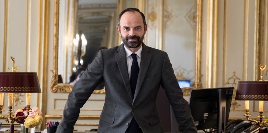French PM sets out strategy to end lockdown