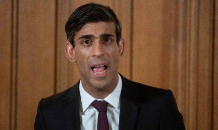 UK minister hints at quarantine change