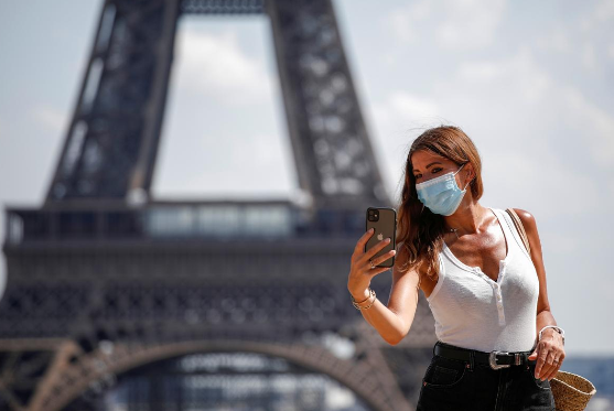 France sees big fall in infections – cities tighten rules