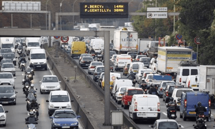Parisians flee capital as lockdown looms
