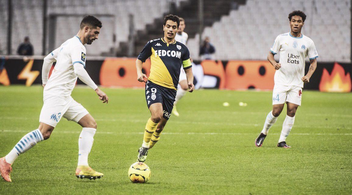 AS Monaco kept at bay by Marseille's Mandanda