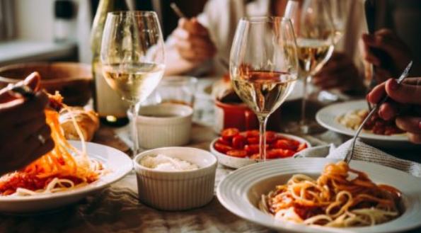 Liguria goes to orange from yellow – restaurants close