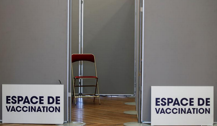 French vaccination programme falls way behind schedule