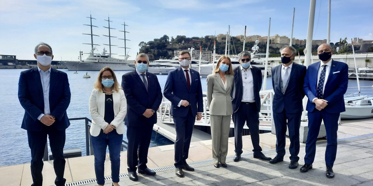 The IHO and CIESM renew cooperation in Yacht Club of Monaco
