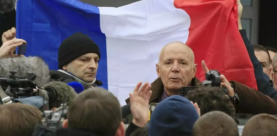Retired French generals call for military coup if nothing is done